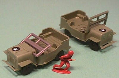 Pair HO Scale Plastic Willys Style Army Jeeps