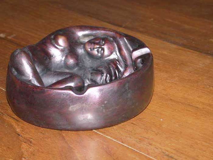 Female Ashtray Resin #580