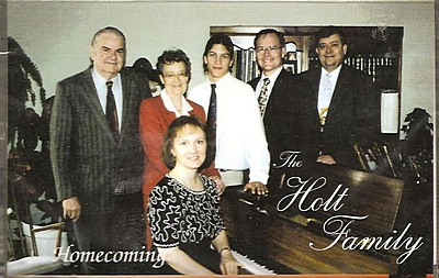 Homecoming   The Holt Family  Cassette only