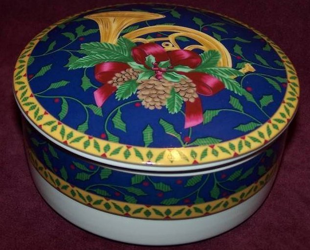 Mikasa Christmas French Horn Trinket Box w Lid, New