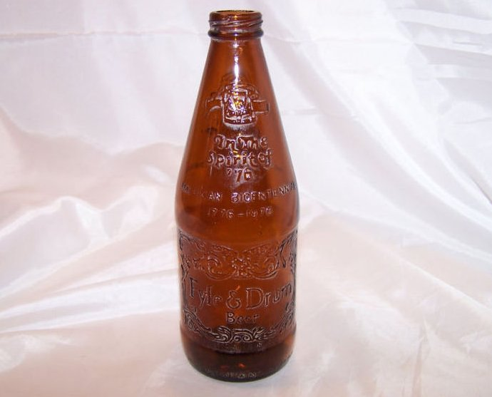 Image 0 of 1976 fyfe and drum brown glass beer bottle
