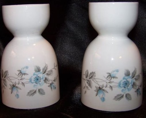 Image 1 of Egg Cup w Roses England 2 Classy White Double