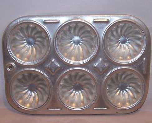 Image 0 of Toy Mini Bundt Cupcake Pan, Childs Cookware, Aluminum