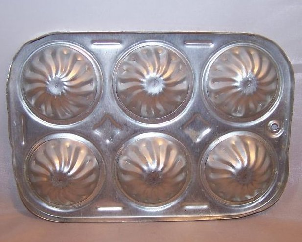 Image 1 of Toy Mini Bundt Cupcake Pan, Childs Cookware, Aluminum