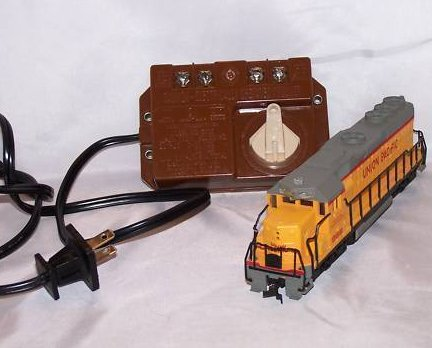 Bachmann Union Pacific Locomotive Toy Train, Power Pack