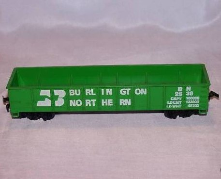 Burlington Northern Green Cargo Car