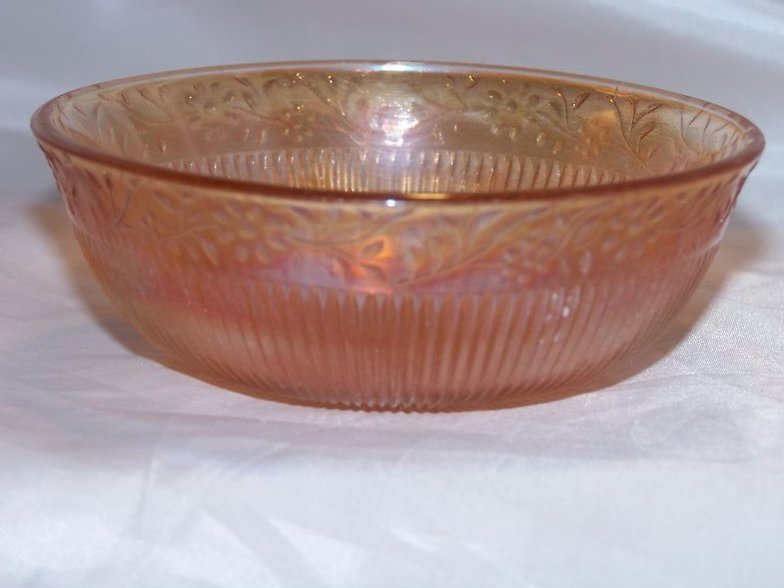 Marigold Carnival Glass Bowl, Daisy Chain Pattern