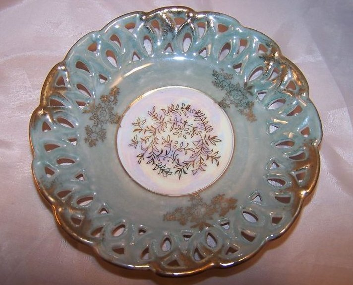Flower and Leaf, Wreath and Shamrock Japan, Cutout Plate