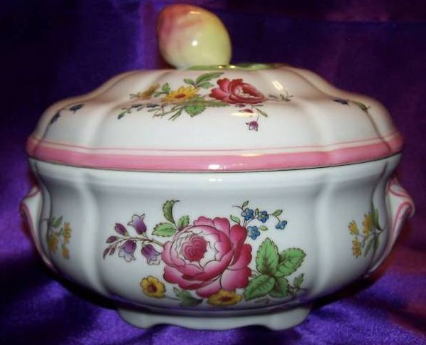 Bright Floral Vegetable Bowl w Lid, Spode Marlborough Sprays
