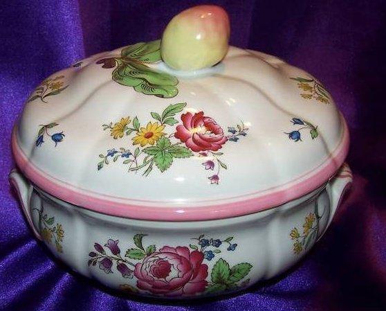 Image 3 of Spode Floral Vegetable Bowl w Lid, Marlborough Sprays