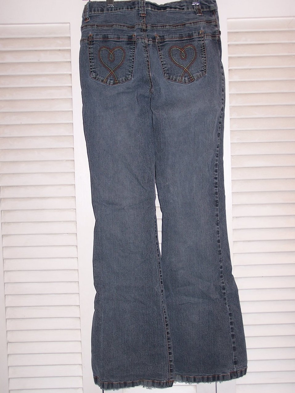 Jrs size so stretch jeans w great pocket embroidery