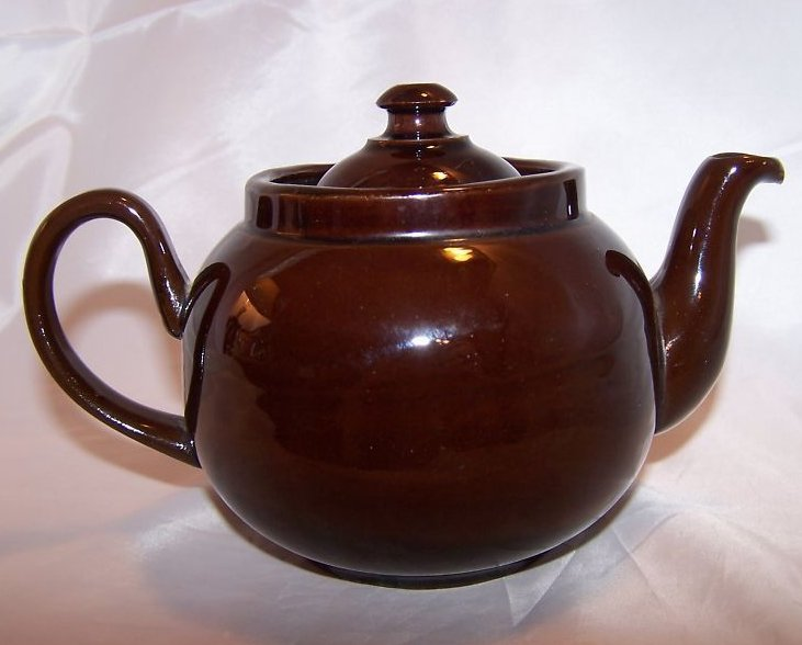 2 C Dark Brown Teapot, Tea Pot w Knobbed Lid, England