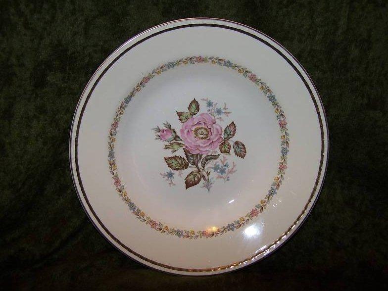 Eggshell Georgian Homer Laughlin  4 Dishes  Bowls