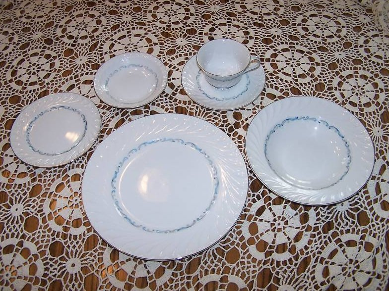 Celebrity Evening Tide 6  Piece Plate, Cup Place Setting