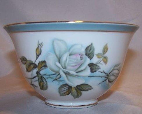 Royal Grafton White Rose Bowl, Fine Bone China, England