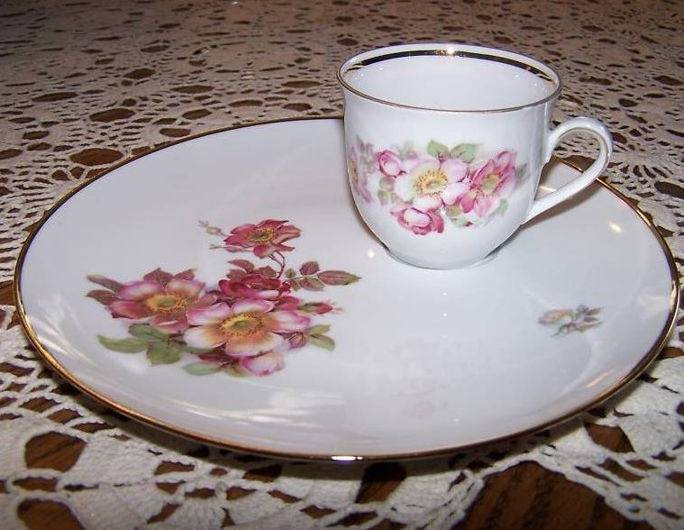 Image 0 of Schumann Arzberg, Bavaria, Wild Rose Plate and Cup Set