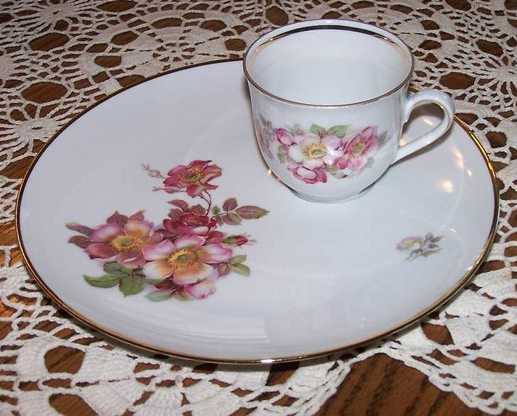 Image 1 of Schumann Arzberg, Bavaria, Wild Rose Plate and Cup Set