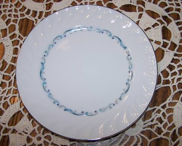 Celebrity Fine China Evening Tide Bread Plate, Japan