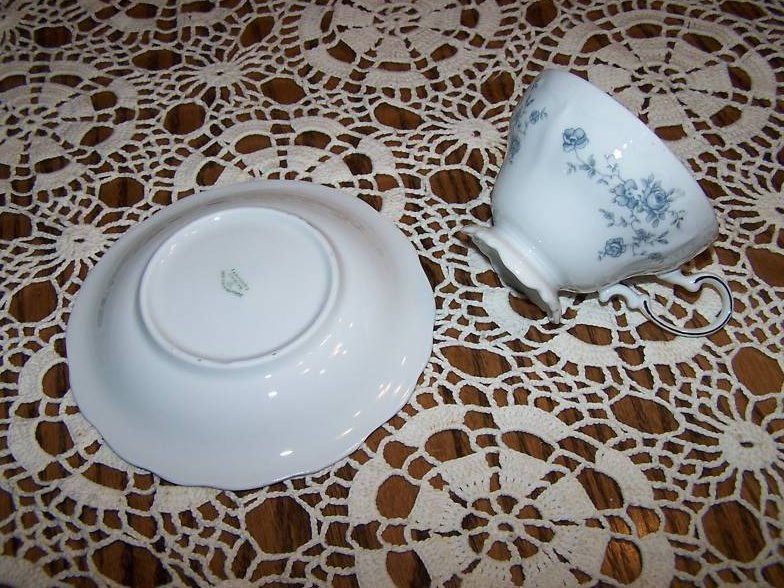 Image 3 of  Haviland Germany Saucer Teacup Cup, Cracked Handle