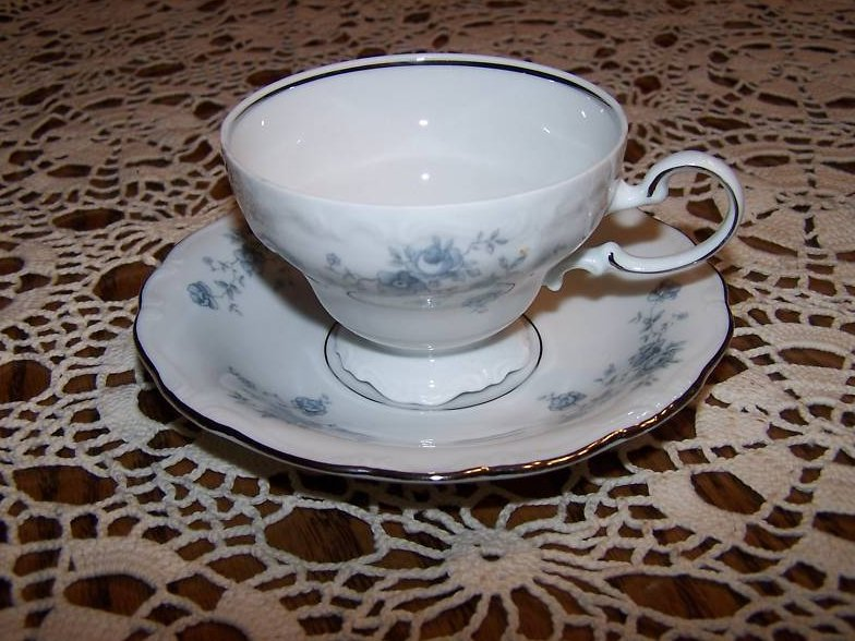 Image 0 of  Johann Haviland Bavaria, Rose Saucer Teacup, Paint Flaw