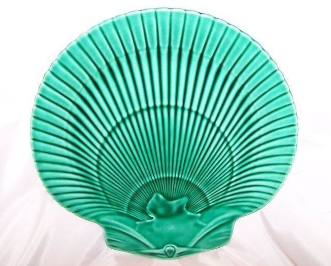 Image 0 of Wedgwood Seashell Shell Plate, Green, Stunning