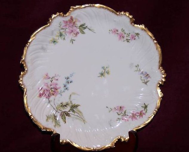 T&V Tressemanes & Vogt Floral Gold Edge Plate, France