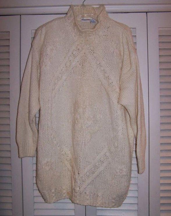 Women's Sz L Pullover Ivory, Flower Pattern Sweater