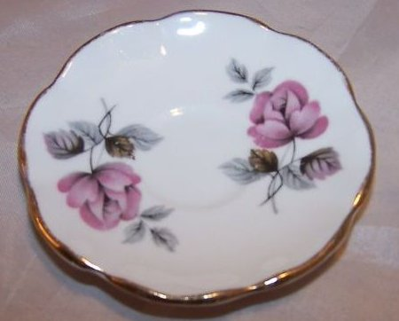 Jackson and Gosling Grosvenor Miniature Saucer
