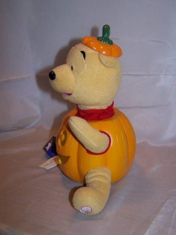 Image 2 of Music Box Winnie the Pooh and Pumpkin, Disney