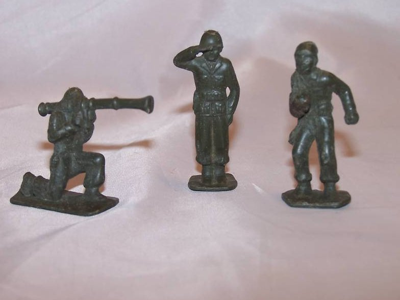 Image 0 of Toy Plastic Army Men, Three Soldiers, Vintage