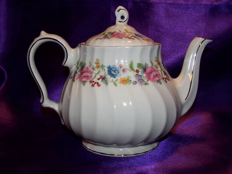 Sadler Floral Porcelain Teapot Tea Pot, Gold Trim