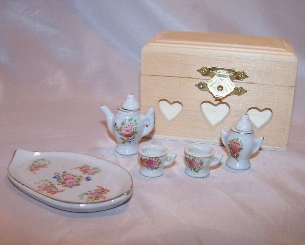 Occupied Japan Miniature Floral Tea Set w Tray, Box