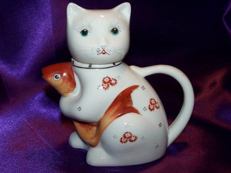 Cat Kitten Holding Carp Fish Painted Teapot Tea Pot