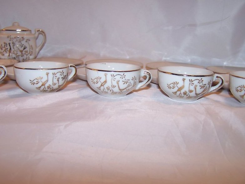 Image 3 of Childs 24 Piece Tea Set with Basket, Japan
