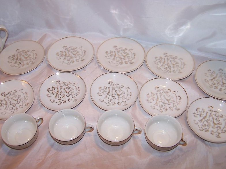 Image 5 of Childs 24 Piece Tea Set with Basket, Japan