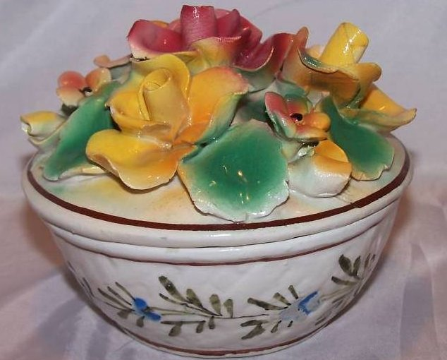 Image 0 of Hand Painted Sculpted Bowl w Lid, MBD Italian Pottery, Italy