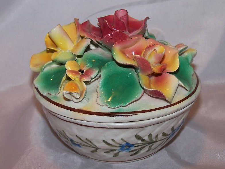 Image 3 of Hand Painted Sculpted Bowl w Lid, MBD Italian Pottery, Italy