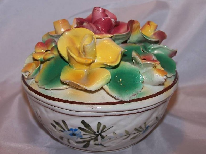 Image 4 of Hand Painted Sculpted Bowl w Lid, MBD Italian Pottery, Italy