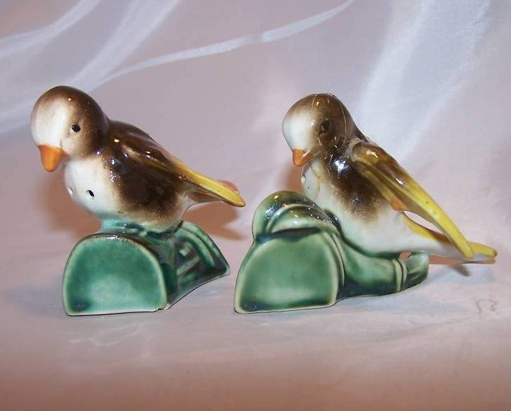 Image 1 of Birds on Branches Salt and Pepper Shakers, Japan Japanese