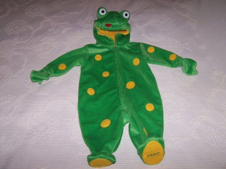 Frog Costume, Size 6 to 9 months, First Moments