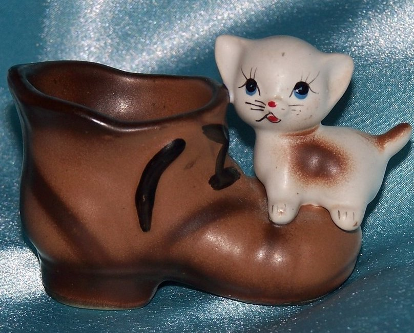 Antique Enesco Kitten w Boot Mini Planter, Toothpick Holder