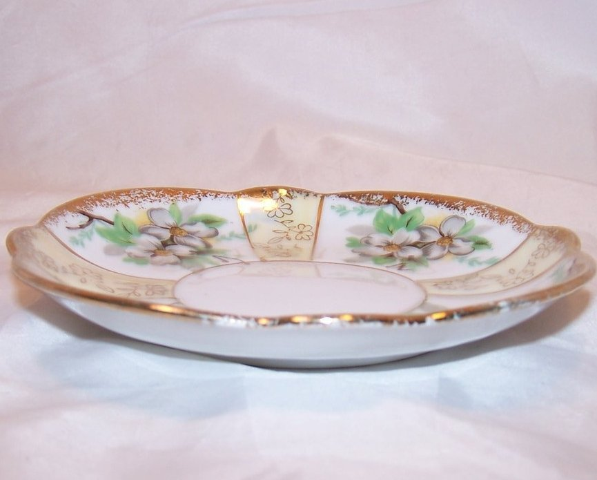 Image 1 of Dogwood Blossoms, Gold, Trimont Ware, Saucer Plate, Japan