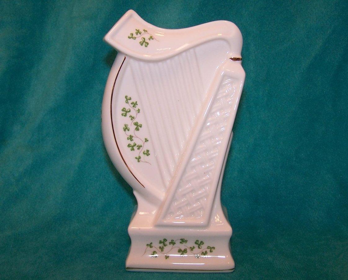 Shamrocks, Gold Highlight Classic Harp, Royal Tara, Ireland