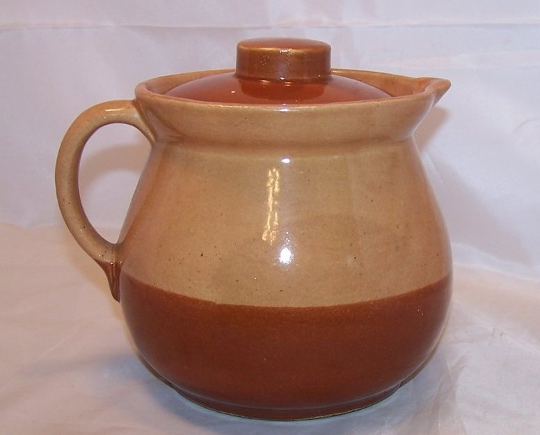 6 Cup Two Tone Lidded Pitcher, Crock, Cabinart USA