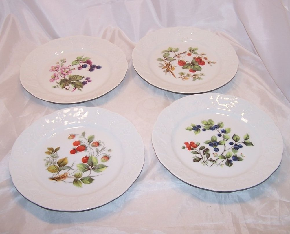Dansk 4 Berry Designs Porcelain Dessert Plates Plate France
