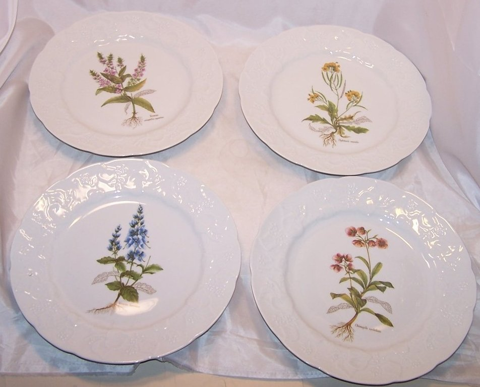 Dansk 4 Berry Design Porcelain Luncheon Plates, Plate France