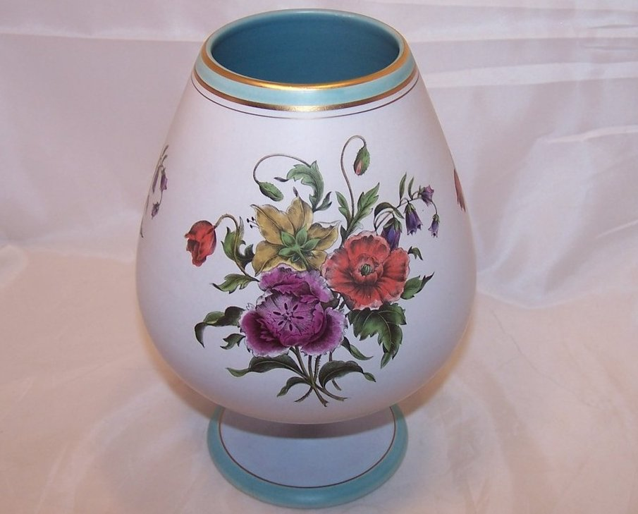 Flora Keramiek Gouda Holland Sandra Short Vase 1849, 8 Inches Tall