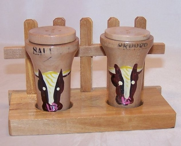 Cow, Bull Salt and Pepper Shakers Shaker with Stand, Japan