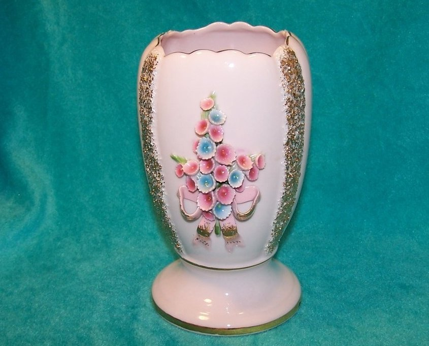 Pink and Gold Vase w Pink and Blue Flowers, Lefton