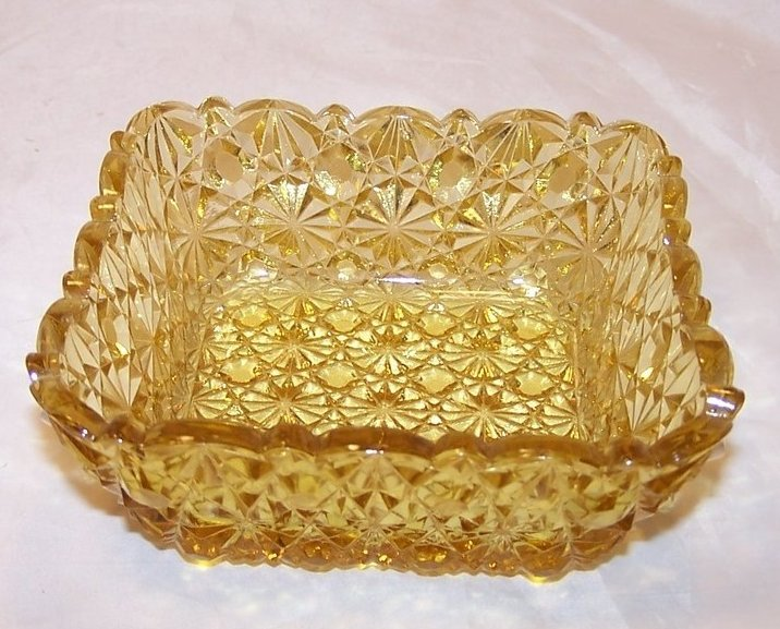 Daisy and Button Pattern Pressed Glass Sauce Dish, Yellow